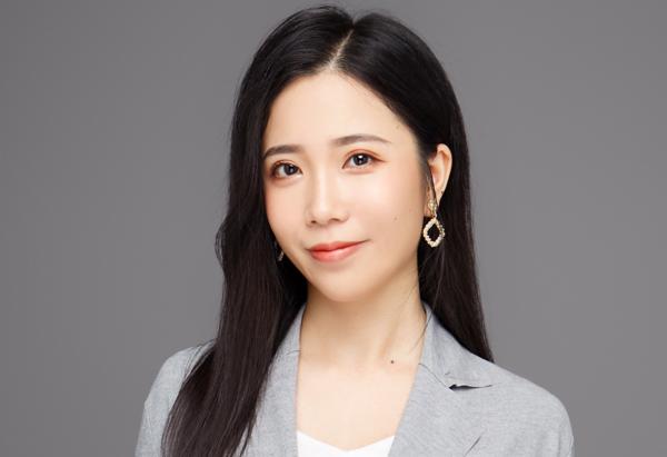 Ding Wei Lan, Della
